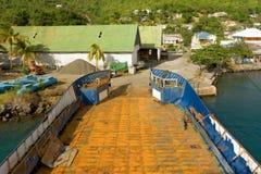 La cubierta y la rampa de una gabarra en Port Elizabeth Imagenes de archivo