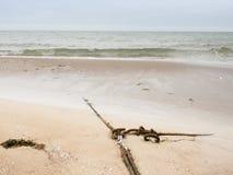 La cuerda de barco ató en el cuadro ocho concepto del viaje de tirón del listón Muelle costero Imagenes de archivo