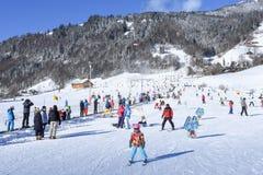 La cuesta de Engelberg en las montañas suizas Foto de archivo