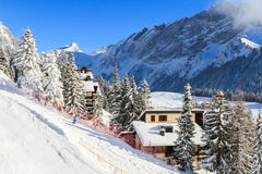 La cuesta del esquí Imágenes de archivo libres de regalías