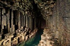 La cueva de Fingal - Staffa - Escocia Imágenes de archivo libres de regalías