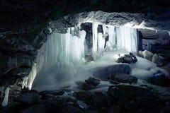 La cueva de hielo fotos de archivo