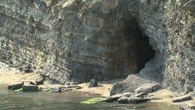 La cueva está en el Mar Negro, Bulgaria almacen de metraje de vídeo