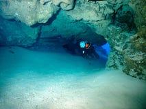 La cueva - salida Foto de archivo libre de regalías
