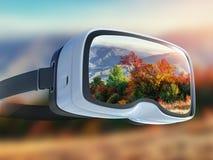 La cuffia avricolare di realtà virtuale, la doppia esposizione, giallo lascia il fondo della foglia di autunno immagine stock