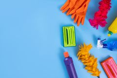 La cuisine colorée de nettoyage, la salle de bains et d'autres salles nettoient servic Image libre de droits
