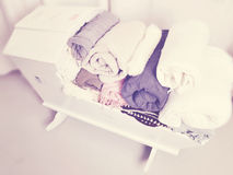 La culla ha riempito di coperte Fotografie Stock