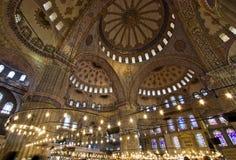 La cupola blu dell'interiore della moschea Fotografie Stock