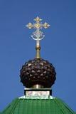 La cupola con l'incrocio di Christian Gate Church ortodosso russo in Ganina Yama fotografia stock libera da diritti