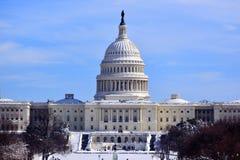 La cupola degli Stati Uniti Campidoglio alloggia il Washington DC della neve del congresso Fotografia Stock Libera da Diritti