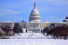 La cupola degli Stati Uniti Campidoglio alloggia il Washington DC della neve del congresso Fotografie Stock Libere da Diritti