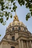 La cupola della cattedrale del Saint Louis al DES Invalides dell'hotel immagine stock