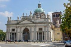 La cupola della cattedrale di Vercelli in Piemonte, Italia fotografia stock libera da diritti