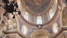 La cupola della chiesa cattolica a Vienna l'austria video d archivio