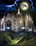 La cupola di Milano nell'ambito di luce della luna Immagine Stock