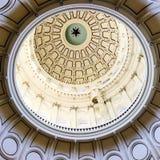 La cupola nel rotunda della costruzione del capitale dello Stato in Austin Texas immagini stock