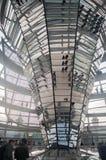 La cupola tedesca di Reichstag dall'interno Immagini Stock Libere da Diritti