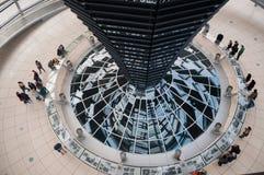 La cupola tedesca di Reichstag dall'interno Fotografia Stock