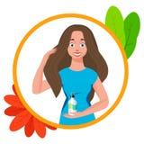 La cura attraente della giovane donna e disegna i suoi capelli Procedure di trattamento dei capelli Immagine Stock
