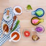 La cura di pelle alternativa varia sfrega, citronella sfrega, lavend Fotografia Stock Libera da Diritti