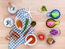 La cura di pelle alternativa varia sfrega, citronella sfrega, lavend Immagini Stock