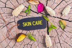 La cura di pelle del testo in etichetta fotografia stock
