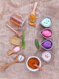 La cura di pelle e casalingo alternativi sfrega con naturale ingredien Fotografia Stock Libera da Diritti