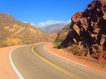 La curva de la ruta Foto de archivo