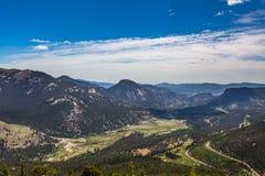 La curva dell'arcobaleno trascura in Rocky Mountain National Park Fotografie Stock Libere da Diritti