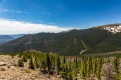 La curva dell'arcobaleno trascura in Rocky Mountain National Park Fotografie Stock