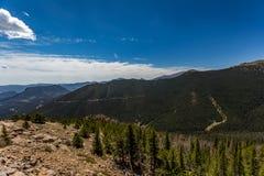 La curva dell'arcobaleno trascura in Rocky Mountain National Park Fotografia Stock