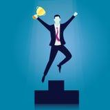 La curvatura e la holding asiatiche dell'uomo d'affari della concorrenza concept Uomo d'affari del vincitore Immagini Stock