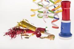 La décoration de nouvelle année avec le porc chanceux serpentin Images stock