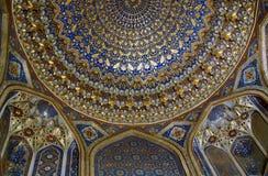 La décoration intérieure d'Ulugh prient Madrasah, Samarkand, Ouzbékistan Photos stock