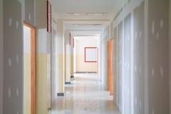 La décoration intérieure de mur de panneau de gypse de la maison au chantier de construction avec l'espace de copie ajoutent le t Images libres de droits