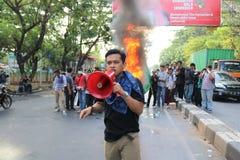 La démonstration d'étudiant de Makassar a critiqué les quatre années de photographie stock libre de droits