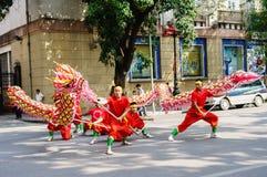 La danse de dragon de concours Images stock