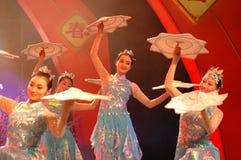 La danse de mouchoir d'une partie de gala de festival de printemps du flocon de neige girl-2006 Jiangxi photo libre de droits