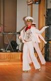 La danse du marin que la boudine a exécuté par des danseurs, acteurs de la troupe du théâtre de variétés d'état de St Petersburg Images stock