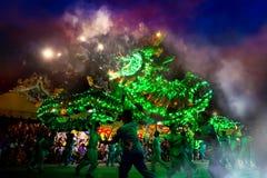 La danza del dragón se realizó para una celebración lunar del Año Nuevo Fotos de archivo libres de regalías