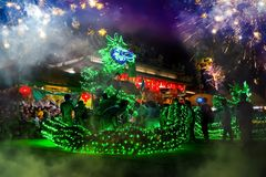 La danza del dragón se realizó para una celebración lunar del Año Nuevo Fotografía de archivo libre de regalías