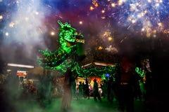 La danza del dragón se realizó para una celebración lunar del Año Nuevo Foto de archivo libre de regalías