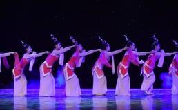 La danza popolare del cittadino del fatato- del fiore della pesca Fotografie Stock Libere da Diritti