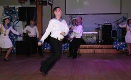 La danza que la diana se realizó por los bailarines, actores del marinero de la compañía del teatro de variedades del estado de S Imágenes de archivo libres de regalías