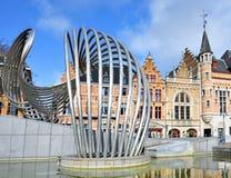 La de fontaine vague par Olivier Strebelle sur Schouwburgplein Photographie stock