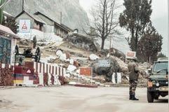 La de Nathu, Sikkim, enero de 2019: Un poste indio importante indio de los relojes de ejército de BSF en un paso de montaña de 14 imagenes de archivo