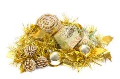 La decoración de la Navidad y del Año Nuevo en blanco aisló el fondo Imagen de archivo