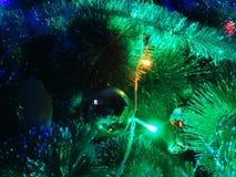 La decoración en el árbol de navidad Fotografía de archivo