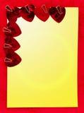 La decoración para la tarjeta de la tarjeta del día de San Valentín con los corazones Fotografía de archivo libre de regalías