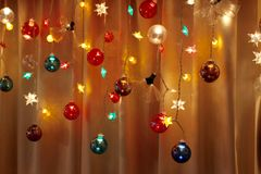 La decoración simple del día de fiesta enciende para arriba una esquina imágenes de archivo libres de regalías